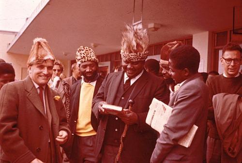TR ranger-nkomo-and-mugabe-